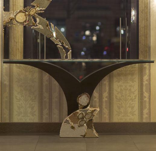 Консоль с зеркалом Fiona Swarovski в спальню (хрусталь, полудрагоценные камни), артикул FWS 003