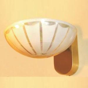 Бра полукруглое в современном стиле с плафоном в виде полусферы, артикул T.PLUM