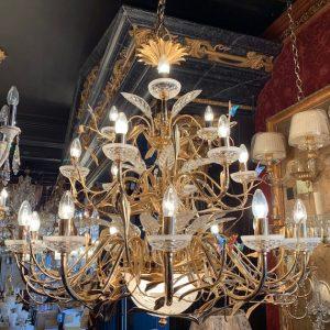 Изящная люстра Possoni из золота, украшенная бабочками из хрусталя Swarovski, артикул 351/12+6+3+2-052