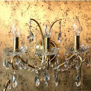 Бра классический с прозрачными хрустальными подвесками из кристаллов Swarovski Spectra, артикул 71048.5/3GS